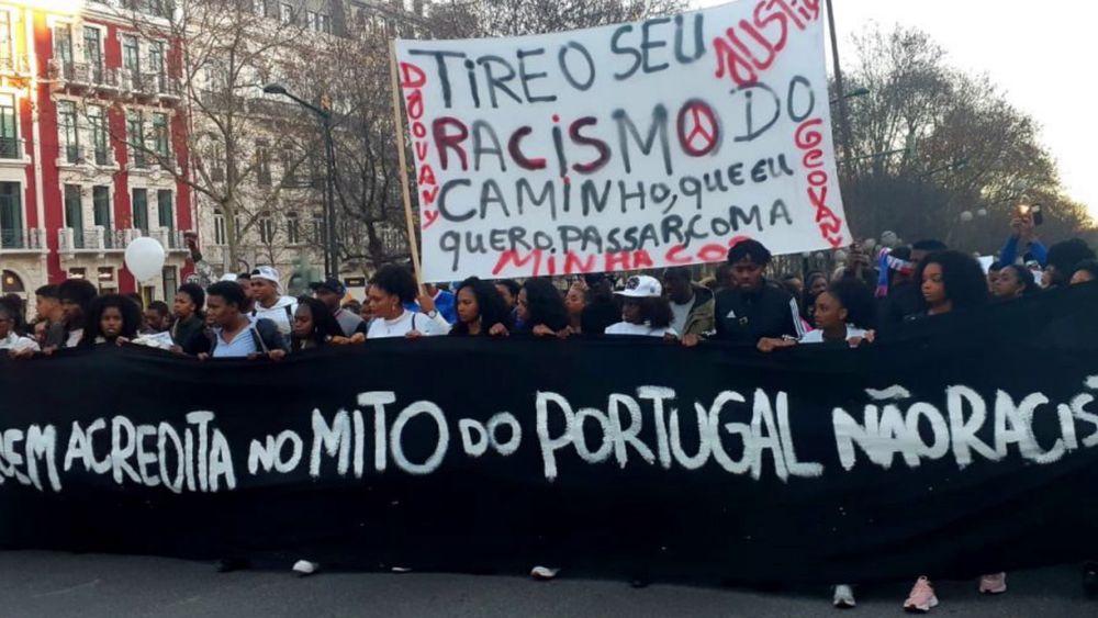 frame do filme Olhares sobre o Racismo